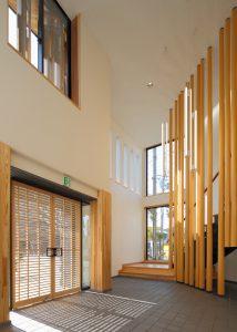 京都木材会館 エントランスホール