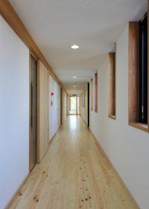 京都木材会館 2階廊下