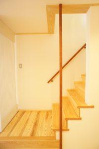 宇多野の家階段