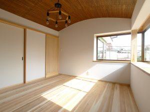 2階アール部屋
